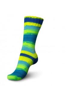 Regia Fluormania strikket strømpe i 6-trådet strømpegarn i farven ocean. Som en skøn pangblå, neongrøn og neongul stribet eksoti