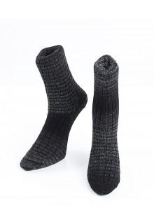 Strikkede strømper 44/55 med natsorte og koksgrå striber uden søm