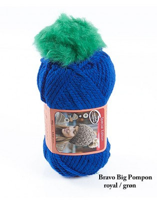 Bravo Big Pompon akrylgarn strikkekit til en hue i royalblå med grøn pompon i kunstpels.