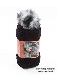 Bravo Big Pompon akrylgarn strikkekit til en hue i sort med sort-hvid pompon i kunstpels.