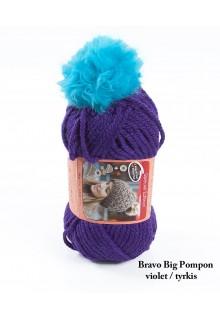 Bravo Big Pompon akrylgarn strikkekit til en hue i lilla med tyrkis pompon i kunstpels.