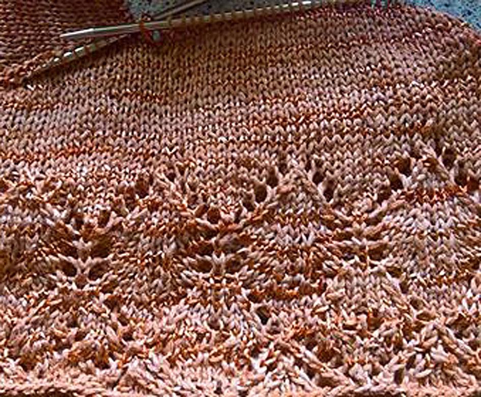 Shalima strikkeprøve til en strikket top med hulmønster
